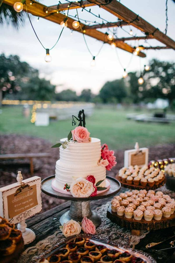 White Buttercream Cake with Pink Peonies by Le Petit Sweet - Central Florida Wedding - Country Wedding at Isola Farms - Orange Blossom Bride - Photographer: Lilly and Lilly Photography - Click pin for more - www.orangeblossombride.com