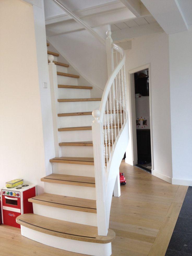 17 beste idee n over witte trap op pinterest trappen trap lopers en trap kunst - Witte houten trap ...