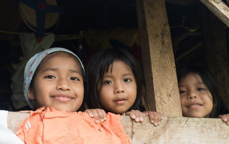 La infancia, los grandes beneficiados de la construcción de colegios en las áreas remotas y olvidadas.