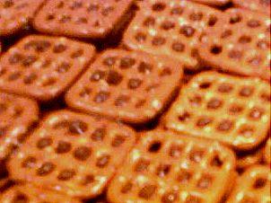 easy chocolate pretzels