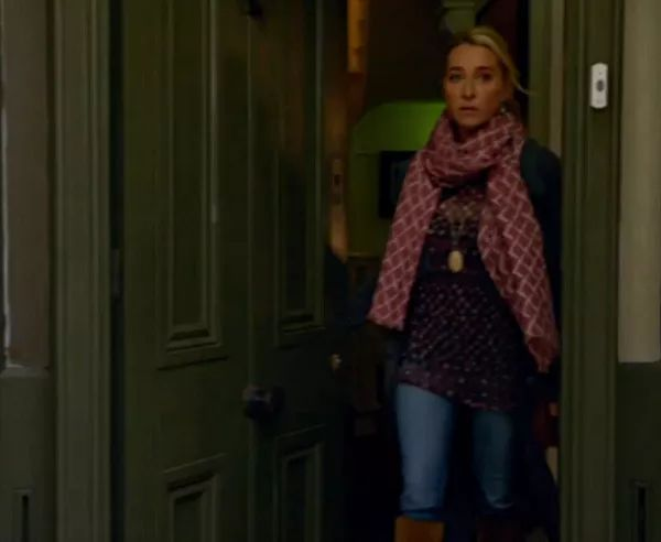 Outfit 1 | Offspring Season 6 Episode 8 | How to dress like Offspring's Nina…