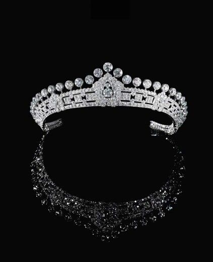 A diamond-set tiara made by Cartier (1930s) for Mary, Duchess of Roxburghe. #Sothebys