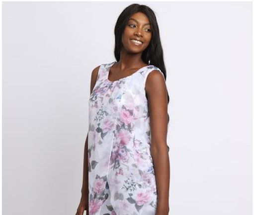 Get creative with these 10 ways to wear florals at work. Don't hide your floral items in your wardrobe until next spring. Florals are perfect for incorporating into your summer work wardrobe!