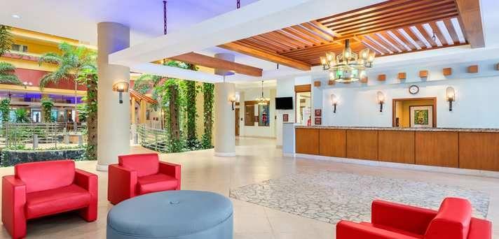 Embassy Suites Dorado del Mar - Beach & Golf Resort Hotel, Puerto Rico - Lobby