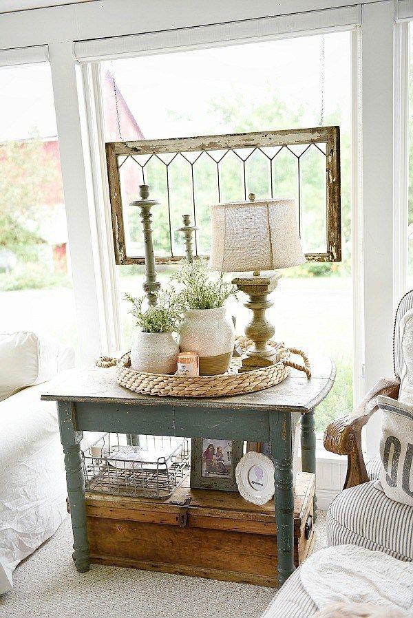 Farmhouse cozy sunroom - Cottage style farmhouse home decor. A great pin for rustic farmhouse decor inspiration & DIY projects!