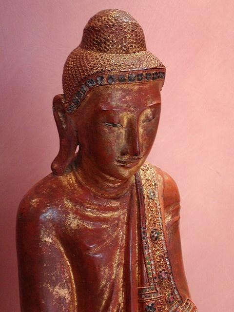 Buddha  Matara Centre and Gardens England 22.11.2002