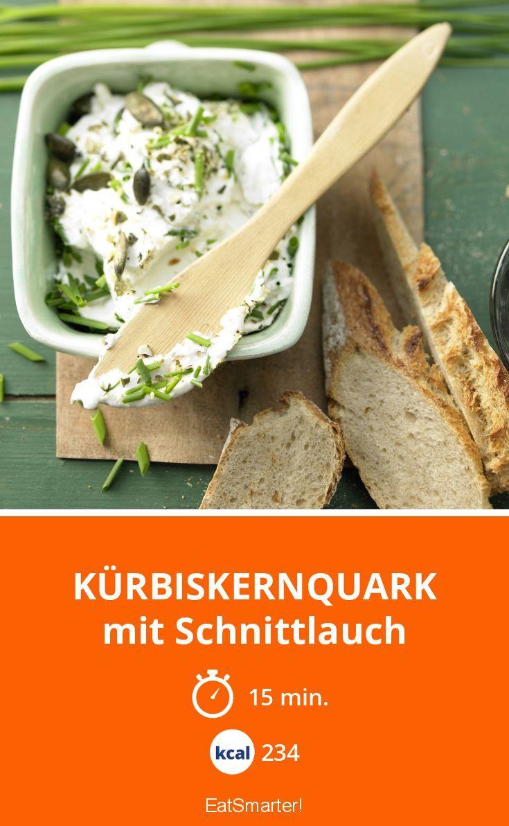 Kürbiskernquark - mit Schnittlauch - smarter - Kalorien: 234 Kcal - Zeit: 15 Min. | eatsmarter.de