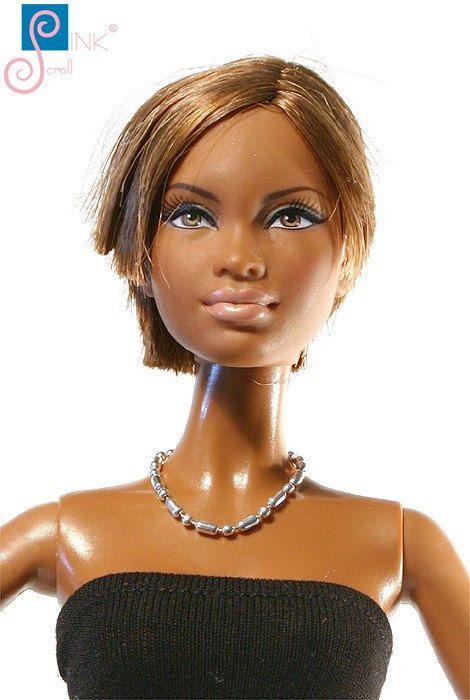 Doll trinket necklace: Mandali by Pinkscroll on Etsy - Barbie jewelry, Fashion Royalty doll jewelry