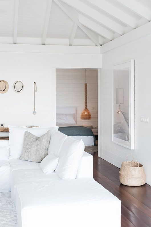 white decor inside villa palmier / sfgirlbybay #minimalist