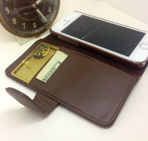 100% Genuine Leather iPhone 5/5s Case Wallet (Brown) – Comma Chargers - Light Up iPhone 5 Charger Cable