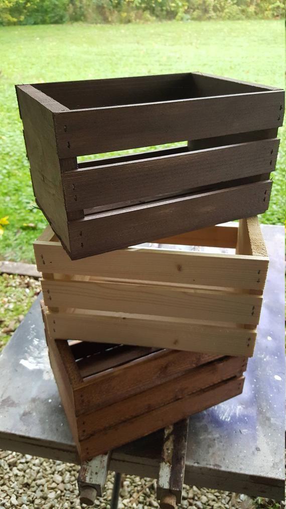 Holzkisten 8×6 1/2 Holzkisten / Hochzeitskisten / Hochzeit | Etsy   – Scrap wood projects