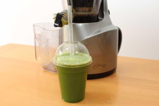 Juice Cleanse: Kiwi, Kale and Cucumber Juice Recipe #Juicing