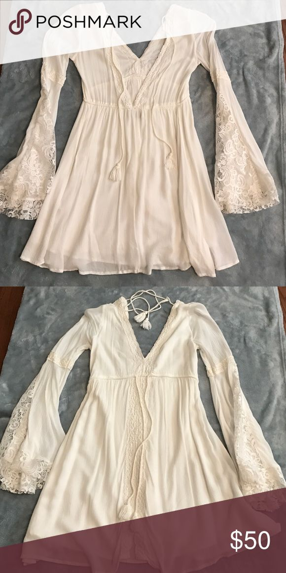 Abercrombie Festival Dress Great condition white festival dress 💫✨ Abercrombie & Fitch Dresses Long Sleeve