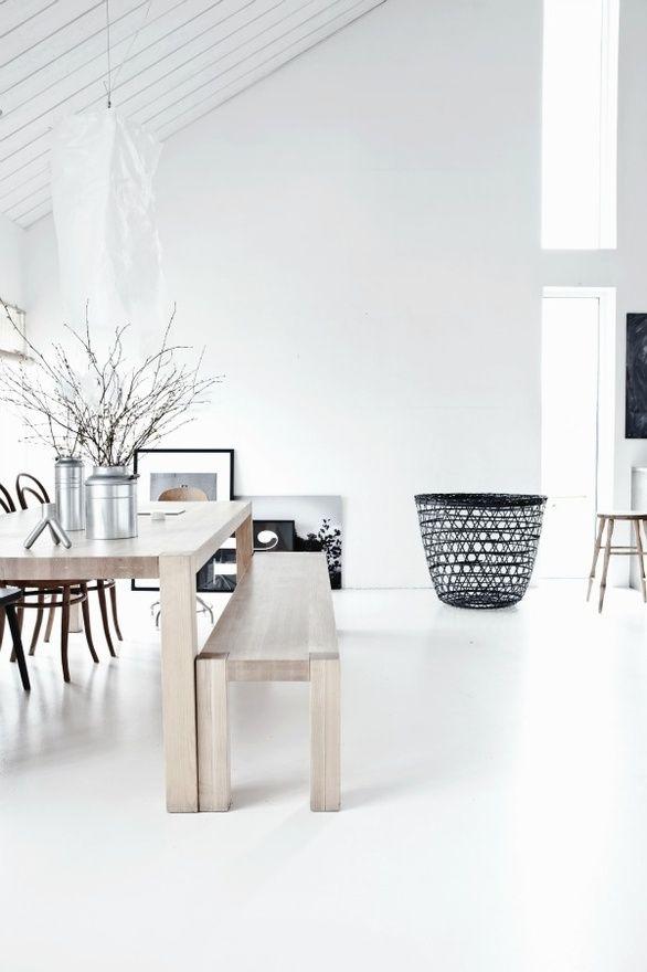 black/white rooms