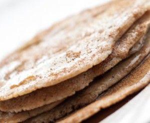 Sunne pannekaker med eple og havre