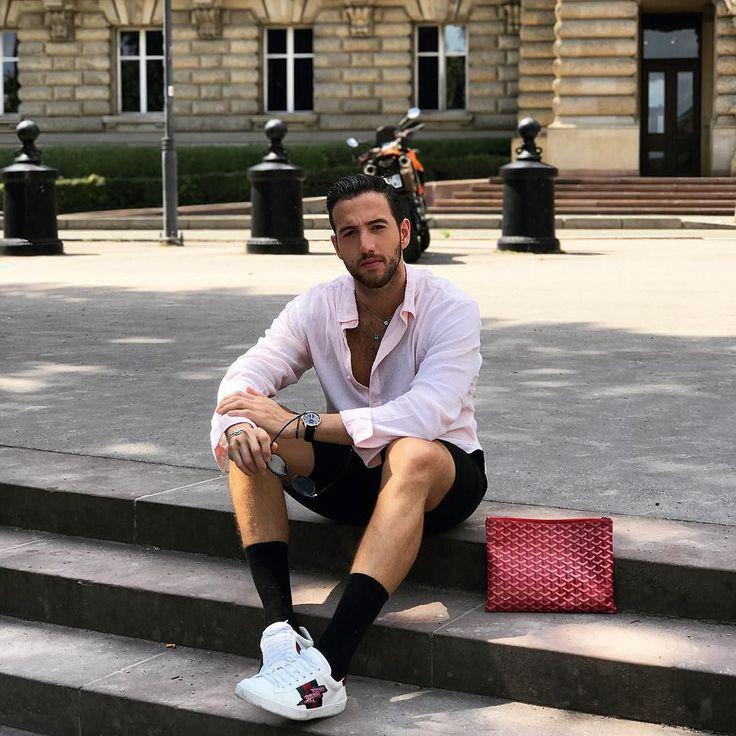 Bonjour  Enjoying my last day in #France (A cara é de sono depois da insônia de ontem ) #JFstylesFrance #Summer