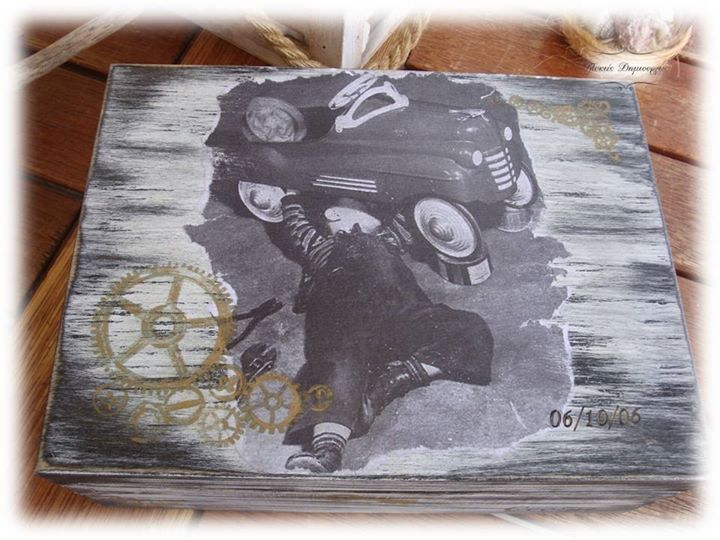 Decoupage Memories Box in vintage style. Original picture taken from...  https://www.pinterest.com/pin/372743306638273071/ Thanks for sharing!!!