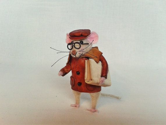 Sweet mouse Little mouse Needle Felted Miniature doll by AnjiTeri