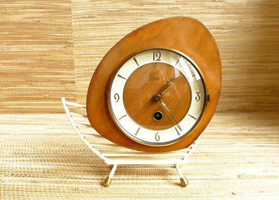 Mantel Clock   Wind up Clock  Pendulum Clock  Vintage  by GLOWUP