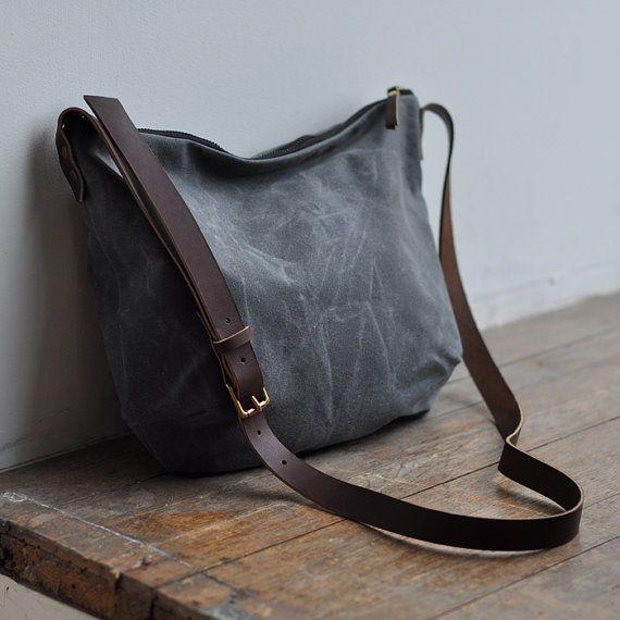 DAY BAG waxed canvas/charcoal por bookhoudesign en Etsy!!