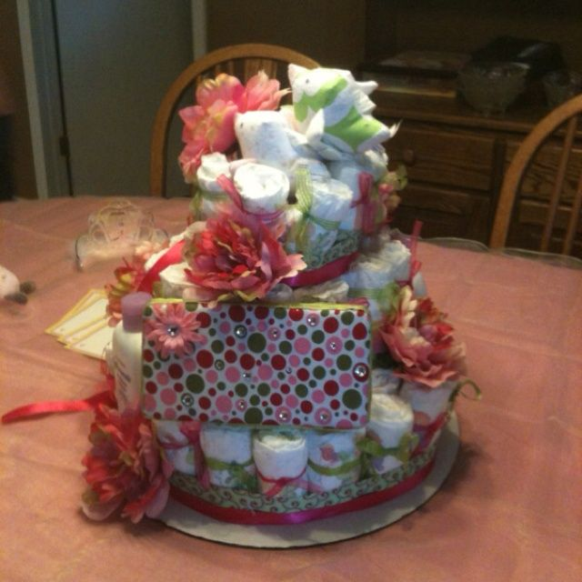 84 best images about baby shower ideas on pinterest baby for Diaper crafts for baby shower