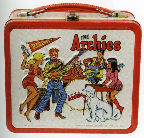 Vintage lunchbox - I had this one in3rd grade. I bet it's worth a small fortune now!