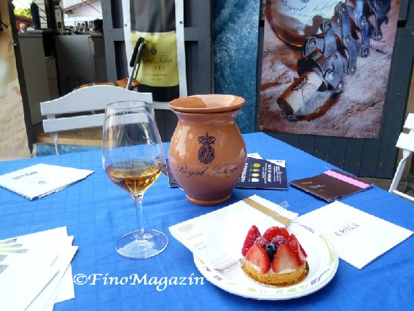 FinoMagazin ハンガリー観光生活日本語情報ウェブメディア   ハンガリーのワインフェスティバル(BUDAPEST BORFESZTIVÁL)テイスティング・レポート②世界一に輝いたトカイ産ワインのお味は?