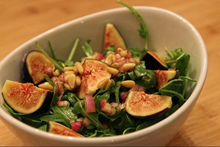 Salade de roquettes aux figues fraiches recettes - Cuisiner les girolles fraiches ...