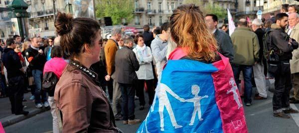 Franţa. Căsătoriile între persoane de acelaşi sex şi încălcarea libertăţii de conştiinţă