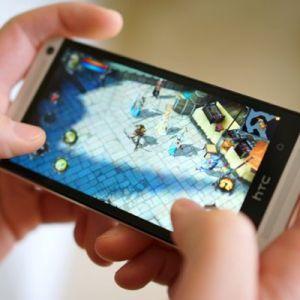 8 Game Populer Yang Paling Menguras Baterai Smartphone Anda