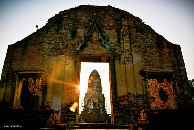Wat Ratchaburana, Ayutthaya, Thailand. Photo credit: TAT Ayutthaya.