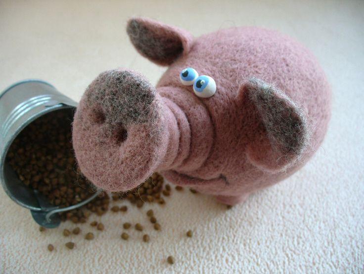 Needle Felted Toy Pig Felt Toys par TashaToys sur Etsy, via Etsy.