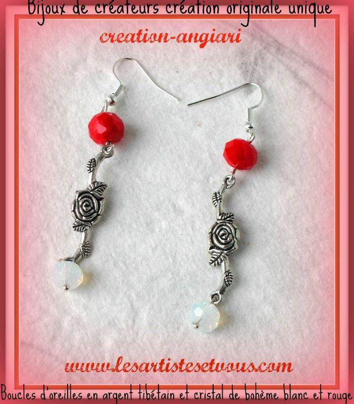 Boucles d'oreilles pendantes en argent tibétain , longue fleur en connecteur, 2 perles en cristal de bohème opaque facetté rouge et blanche. En vente sur mon site: www.alittlemarket.com/boutique/lesartistesetvous