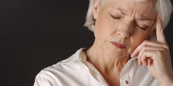 Claves para eludir que la cefalea se vuelva crónica | Por: @linternistahttp://medicinapreventiva.info/generalidades/11023/claves-para-eludir-que-la-cefalea-se-vuelva-cronica-por-linternista/Muchísimos adultos y niños alrededor del mundo padecen cefalea y muchos de ellos con el agravante de que se trata de migraña crónica, por ello la Sociedad Española de Neurología (SEN) recomienda limitar el consumo de la cafeína, además de opiáceos y barbitúricos para evitar la c