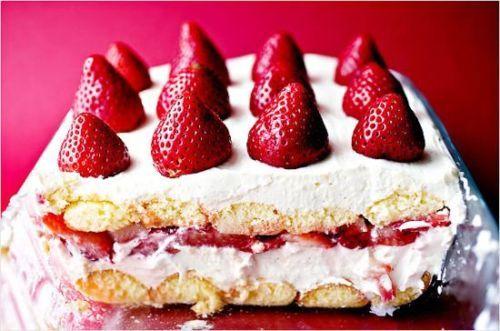 Creamy Strawberry Moscato Cake