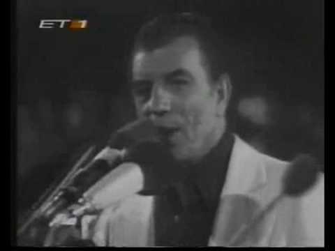 ▶ Mikis Theodorakis ~ Grigoris Bithikotsis ~ Ena to helidoni (1977) - YouTube