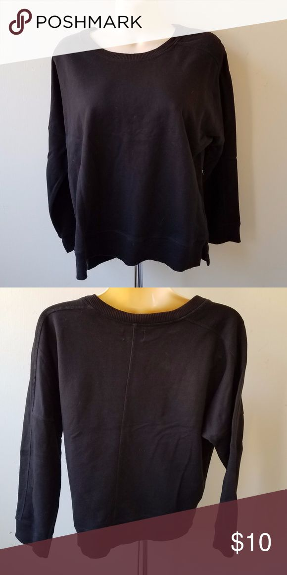 """NWT OLD NAVY Women's Black Sweatshirt Pullover 100% cotton Measures 19"""" from pit to pit & 22"""" in length Old Navy Tops Sweatshirts & Hoodies"""