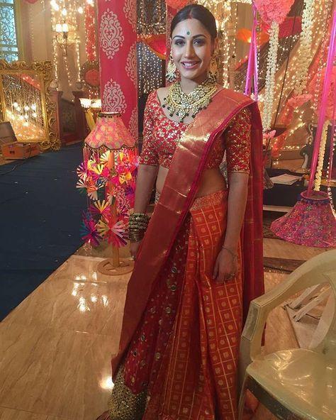 25189f57f2d Wear Banarasi saree at Wedding