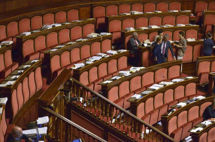 Il legame tra doppi incarichi e assenteismo in parlamento http://blog.openpolis.it/2017/02/08/doppi-incarichi-e-assenteismo-in-parlamento/13804