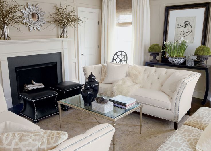 Find yourself in the throes of luxury! This ivory faux fur throw has all the rich style and indulgence of the real thing.