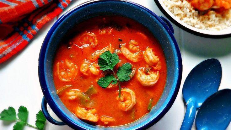 Los camarones enchipotlados son un platillo muy popular en los restaurantes de mariscos. Ahora puedes recrear esta delicia en casa, con esta receta súper fácil. Lo mejor de todo es que puedes tener este platillo listo para servir en solo 30 minutos.