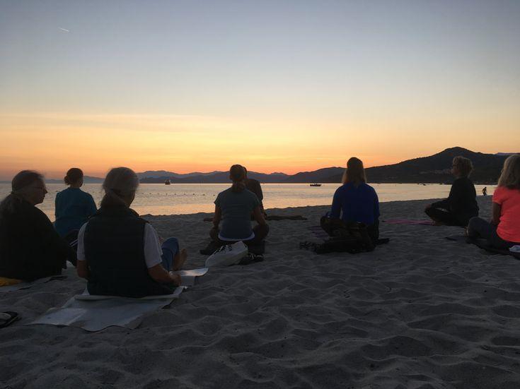 Yogarejse til den franske ø Korsika | 25. august - 1. september 2018  En sommer oplevelse på skønne Korsika. Tag din yoga praksis med dig hen hvor solen skinner, hvor det er varmt og hvor du kan dyrke yoga på en vidunderlig strand ved Middelhavet.