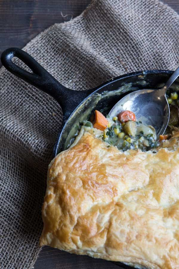 A healthy version of a family favorite - Chicken and Vegetable Pot Pie. #potpie