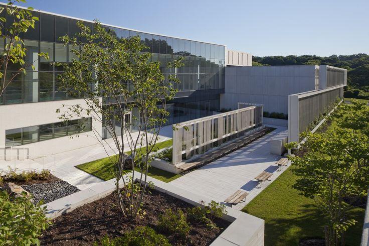 Anunciados os 7 projetos vencedores do prêmio AIA National Healthcare Design,Centro Ambulatório Regional do Câncer para o Memorial Sloan Kettering (MSK); West Harrison, Nova Iorque / EwingCole. Image © Ron Blunt