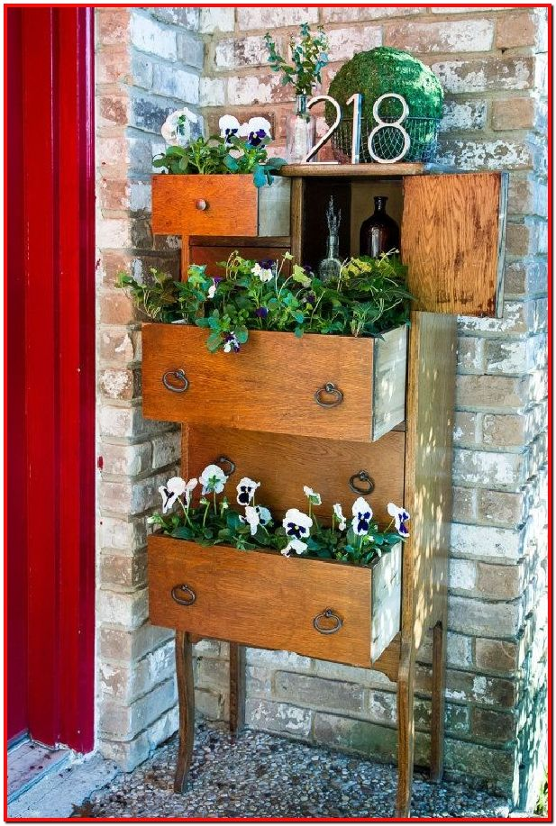 Diy Indoor Plants Ideas To Fill Your Living Room With Greenery Part 7 In 2020 Diy Planters Outdoor Rustic Planters Upcycle Garden