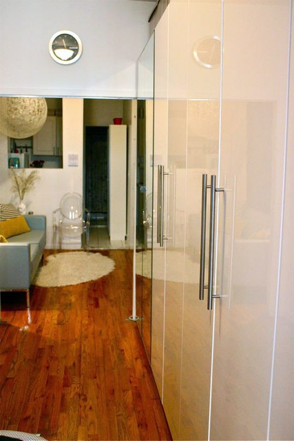 280 sq ft studio apartment - great inspiration for small space design!
