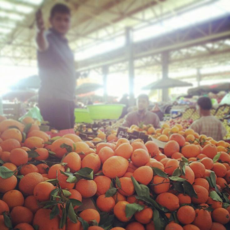 #Agadir, #Maroko, #Marocco, #souk, #souq, #al-sooq, open-air #marketplace, #oranges, #instagram, #photography