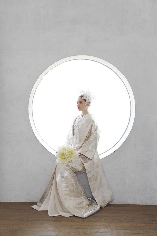 和装婚礼のススメ[スタイルブック 01]和婚のスペシャリスト「アントワープブライダル」神社挙式から色打掛 ・白無垢など着物コーディネイトやスタイリングまで、是非お任せ下さい。