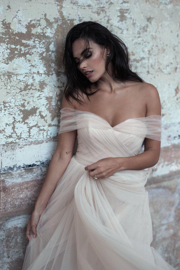 """MOIRA HUGHES THE ONE CAMPAIGN"" Makeup @soniaallenmua // Photographer @AlliOughtred // Designer @mhughescouture // Stylist @lovefindco  #soniaallenweddingmakeup #weddingmakeup #weddinghair #bridalmakeup #bridalhair #naturalmakeup #sydneyweddingmakeupartist"