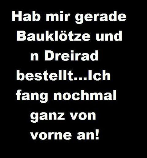 Mehr Facebook Statussprüche hier: http://www.deecee.de/funny-stuff/sprueche-zitate/lustige-facebook-sprueche-statusmeldungen.html